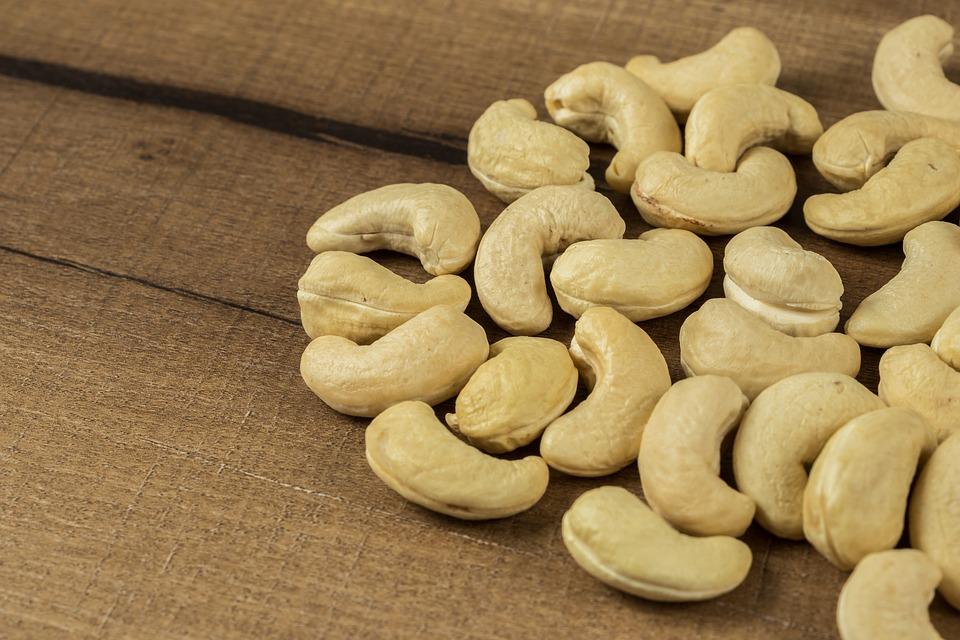 vyloupané kešu ořechy